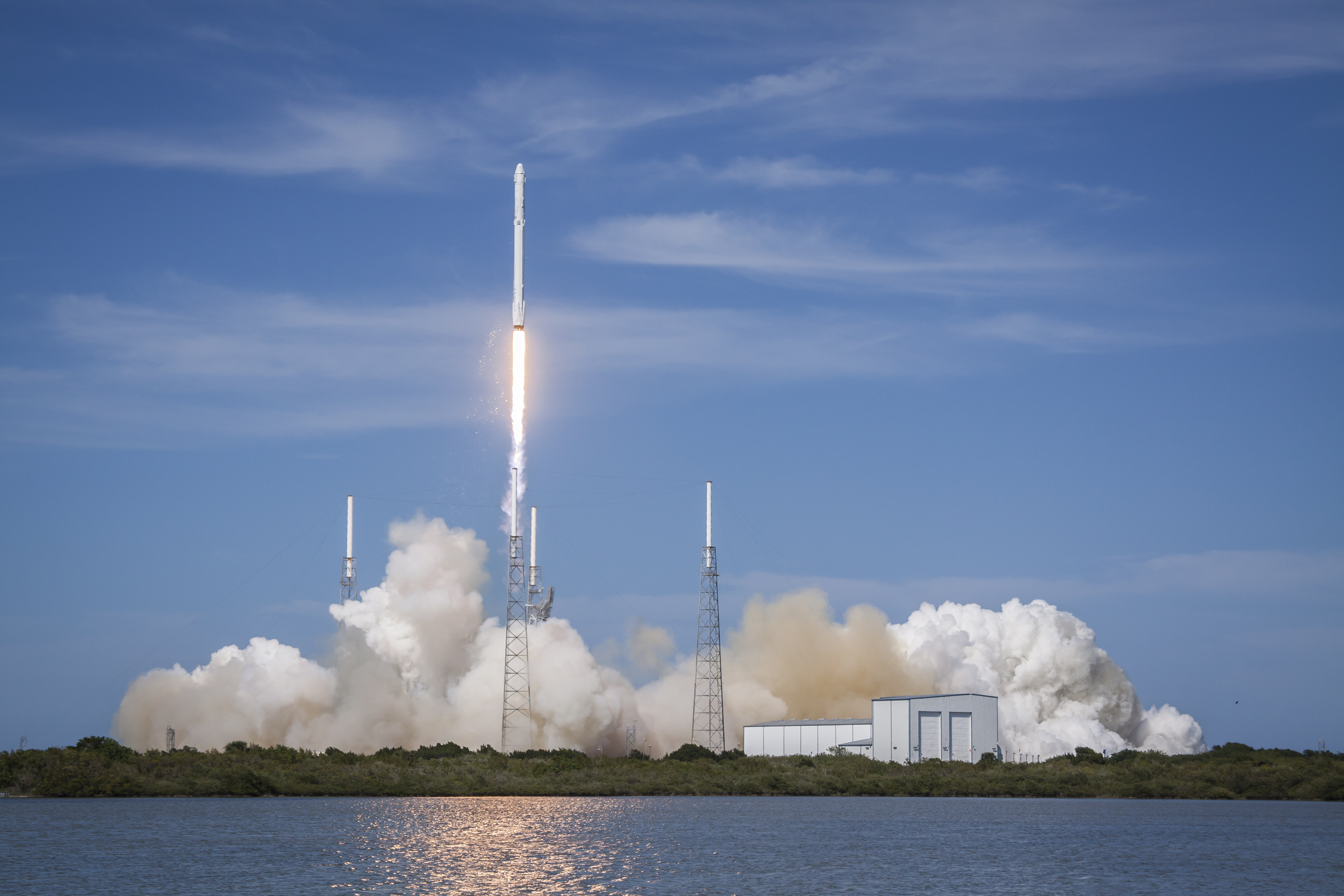 CRS6 launch. Photo courtesy of SpaceX.