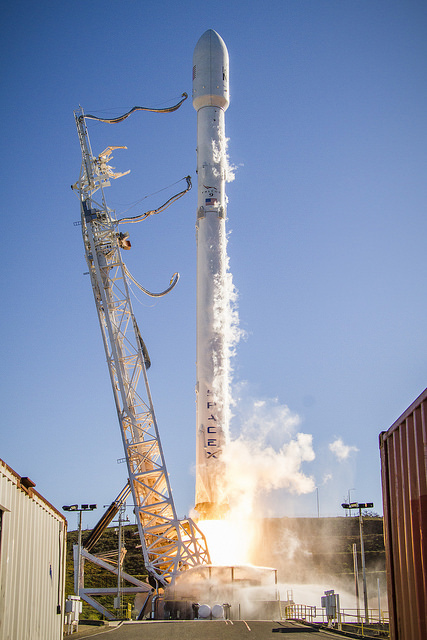 Falcon 9 liftoff, carrying 10 Iridium satellites into orbit. Credit Flickr. Courtesy of SpaceX who has placed their photos in the public domain.
